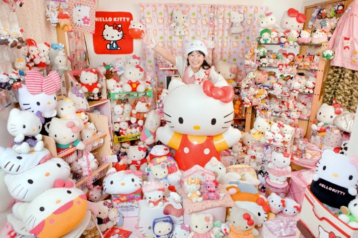 guinness-world-record_hello-kitty-collection.jpg